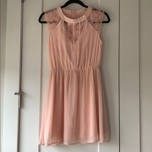 Gianni Bini pink lace dress